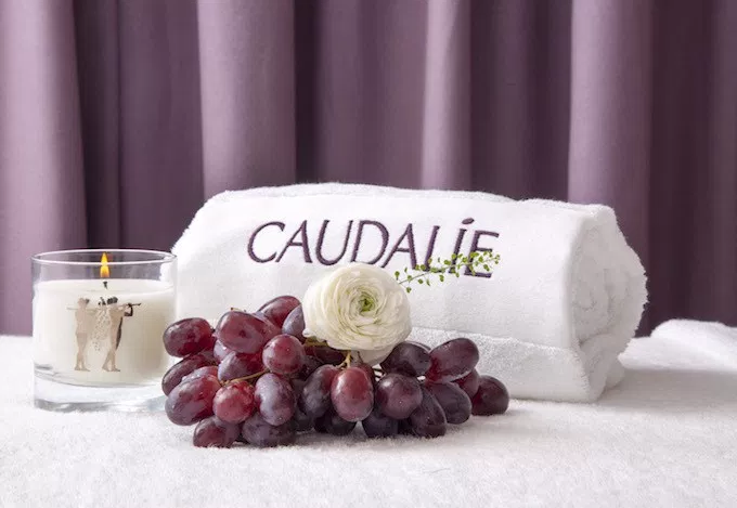 Caudalie regala la spa in farmacia!
